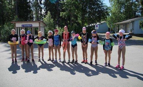 CrystalBladesin leirin yhteydessä järjestettiin kastajaiset uusille luistelijoille