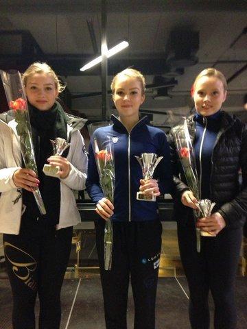 SM-seniorinaisten mitalikolmikko vasemmalta Jenni Saarinen, Joanna Kallela, Hanna Kiviniemi