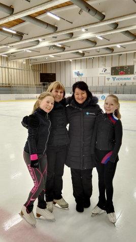 Eeva Kaipainen, Marina Kudriatseva, Maaret Siromaa ja Marinan oppilas Viktoria