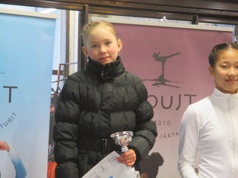 Aura Hautalahti Novice A -sarjan voittoon
