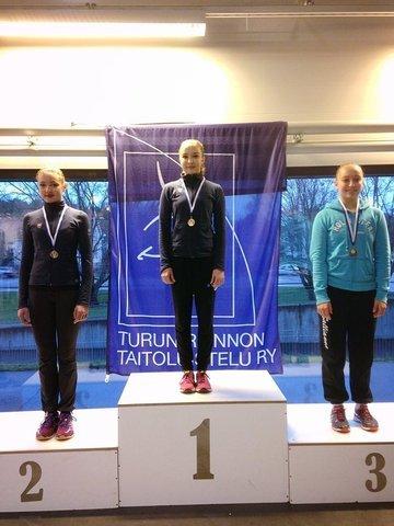 SM-juniorityttöjen kärkikolmikko: 1. Joanna Kallela, 2. Petra Laakkonen, 3. Sallianna Öztürk